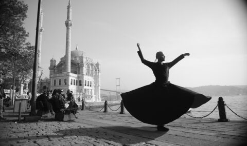 Dilan Bozyel-first whirling dervish photo on space